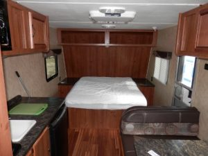 21 foot RV Conquest Travel Trailer for Sale