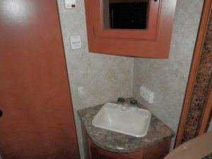 29 Foot RV for rent Conquest with Slide-Out